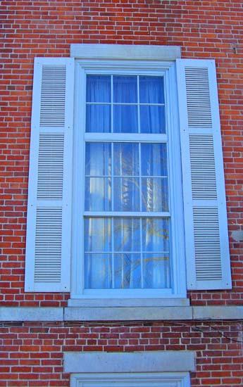 Triple Hung Windows : Encounteramerica scommunityhistory livingston